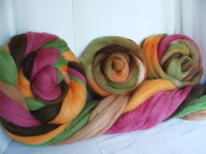 wool roving, spinning wool, hand dyed wool, fall color yarn,