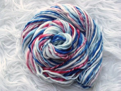 handspun yarn, wool yarn, thick and thin yarn, slub yarn, patriotic yarn, red white blue yarn,